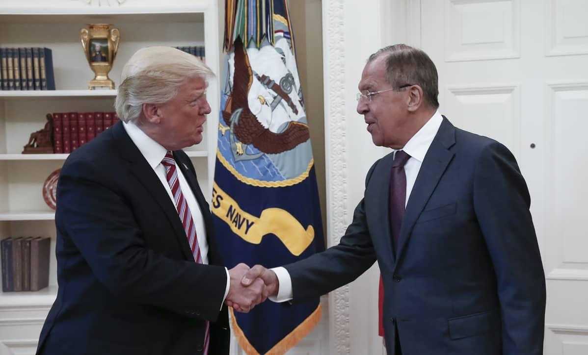Donald Trump ja Sergei Lavrov.