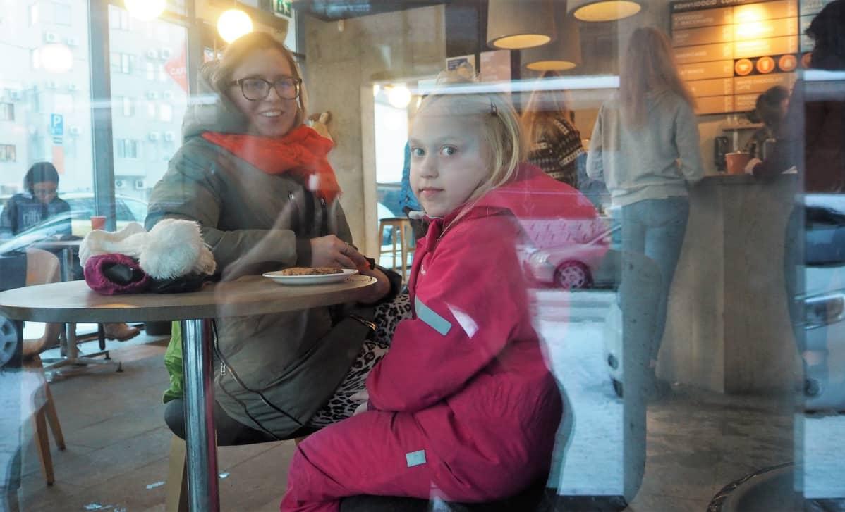 Kheit Ool ja 6-vuotias Viktoria-tytär ovat asuneet myös Suomessa.