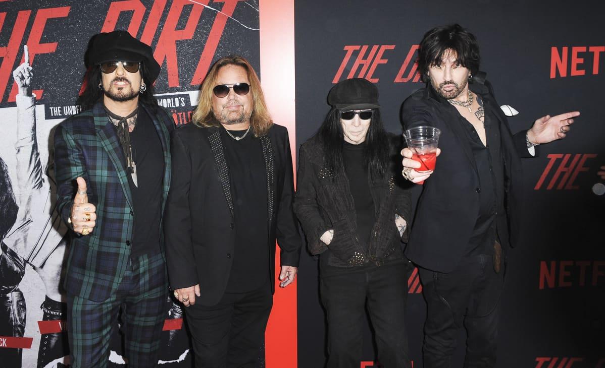 Mötley Crüe -yhtye The Dirt -elokuvan julkistamistilaisuudessa.