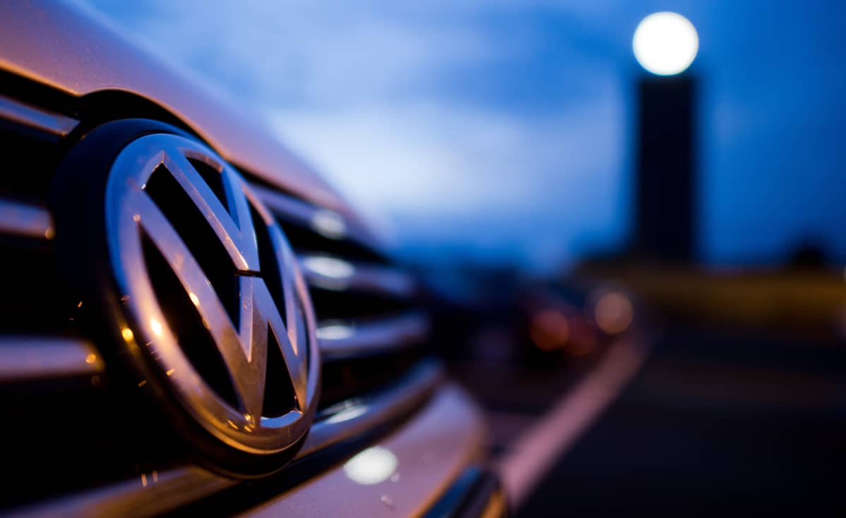 Volkswagen auto.