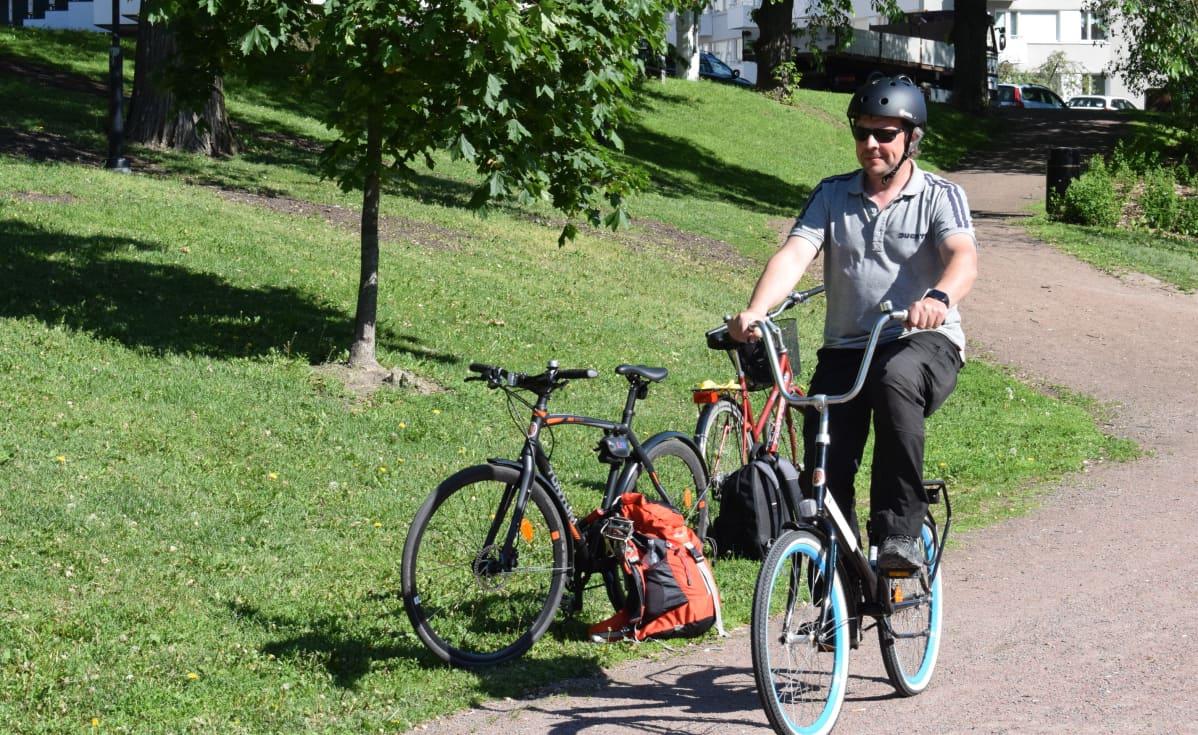 Kannustimme autoilijoita kokeilemaan pyöräilyä ensimmäistä kertaa pitkään aikaan.