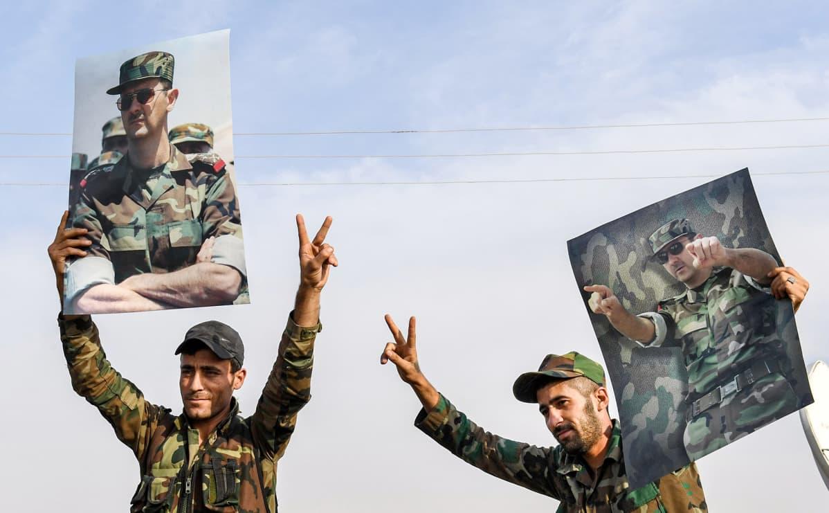 Syyrian hallituksen sotilaita Manbijissa.