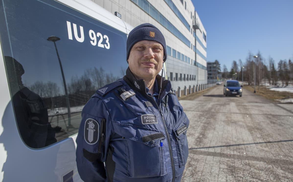 Ylikonstaapeli Timo Harjaluoma Itä-Uudenmaan poliisilaitos/ Liikennepoliisisektori.