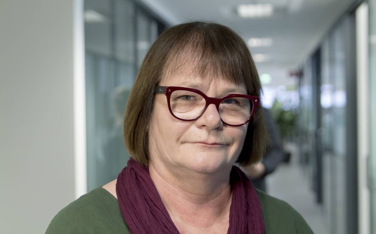Ammattiliitto Nousun pääluottamusmies Paula Hopponen muistuttaa, että myös viikolla pitää olla tarpeeksi työntekijöitä palvelemassa asiakkaita, kun lauantaina töissä olleet viettävät vapaapäiväänsä.
