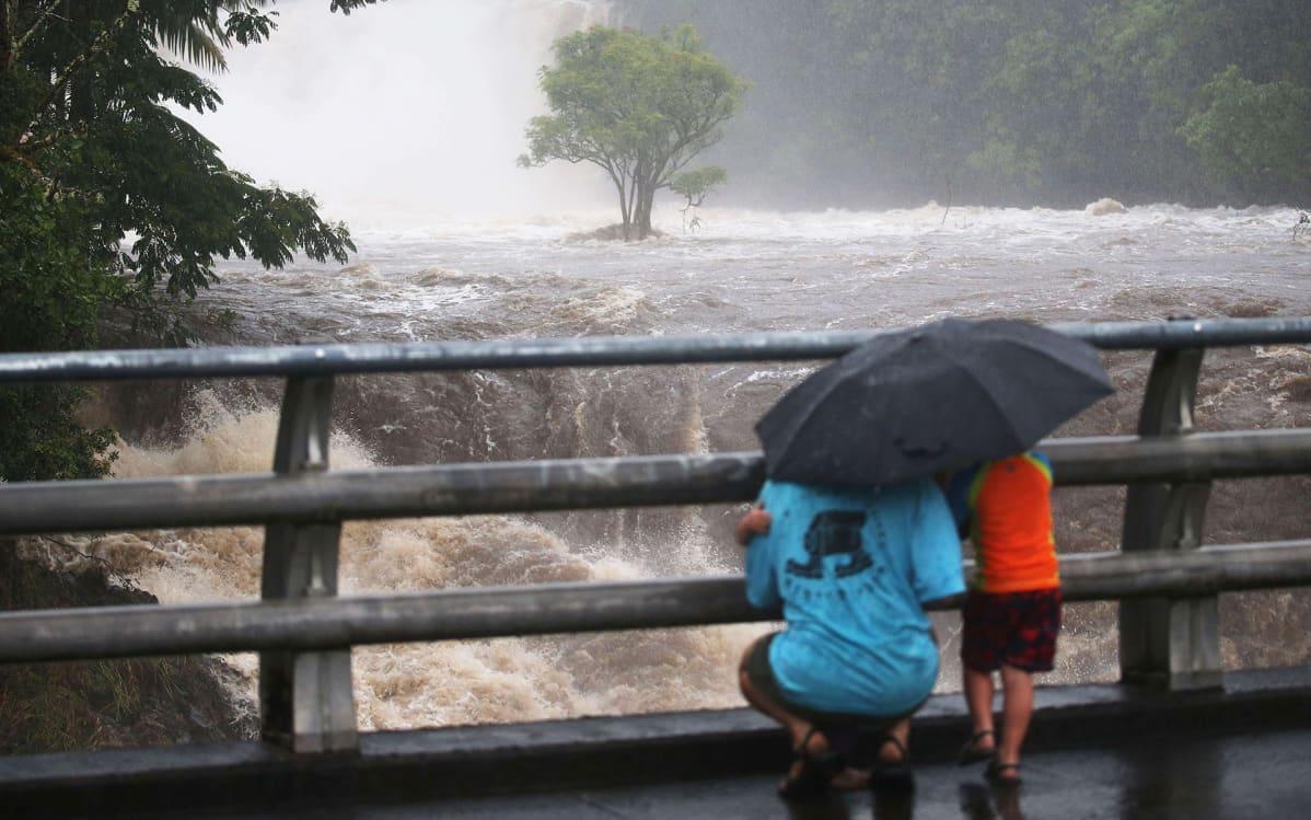 Wailuku-joki tulvi rankkasateiden vuoksi Hilossa, Havaijilla.