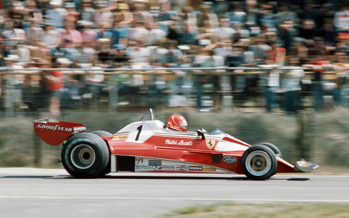 Niki Lauda ajamassa vuonna 1976.