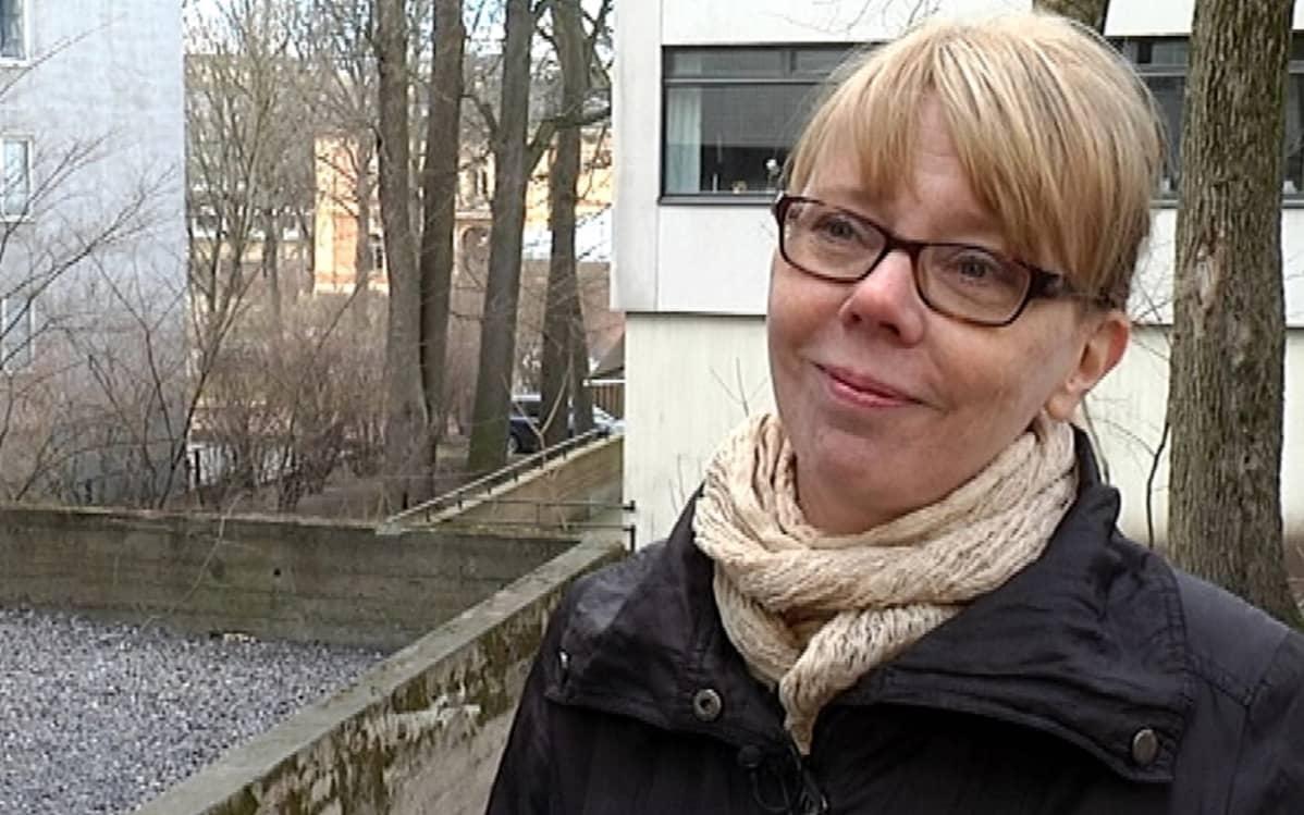 Dosentti Paula Sjöblom.