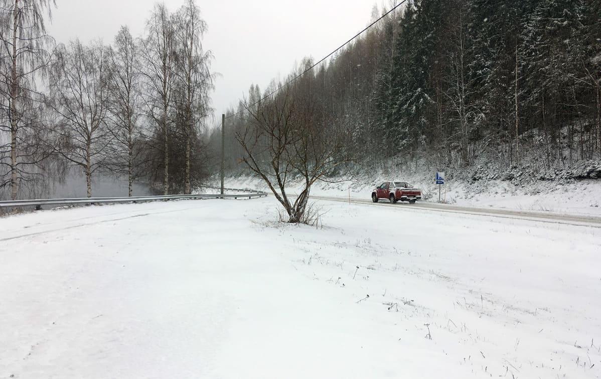 Luminen maisema Enonkoskella.