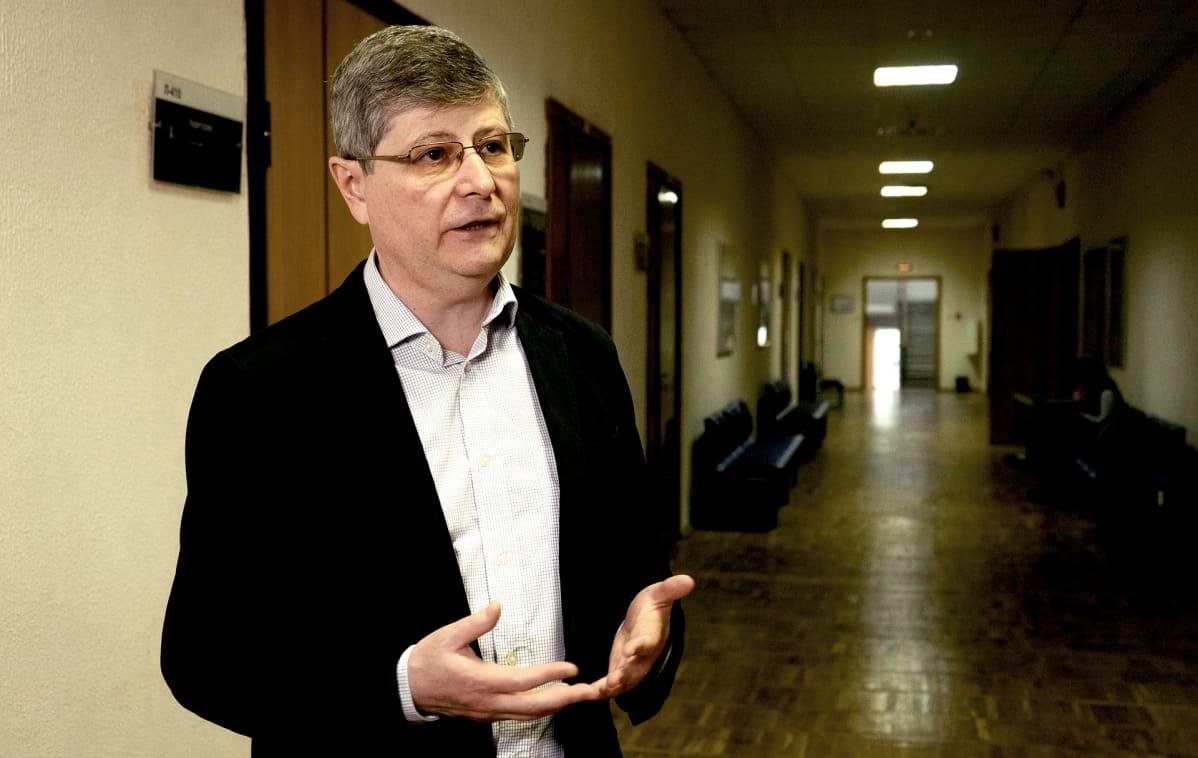 Tutkija Oleg Hlevjnuk, Moskovan talouskorkeakoulusta on kirjoittanut Stalinista elämäkerran.