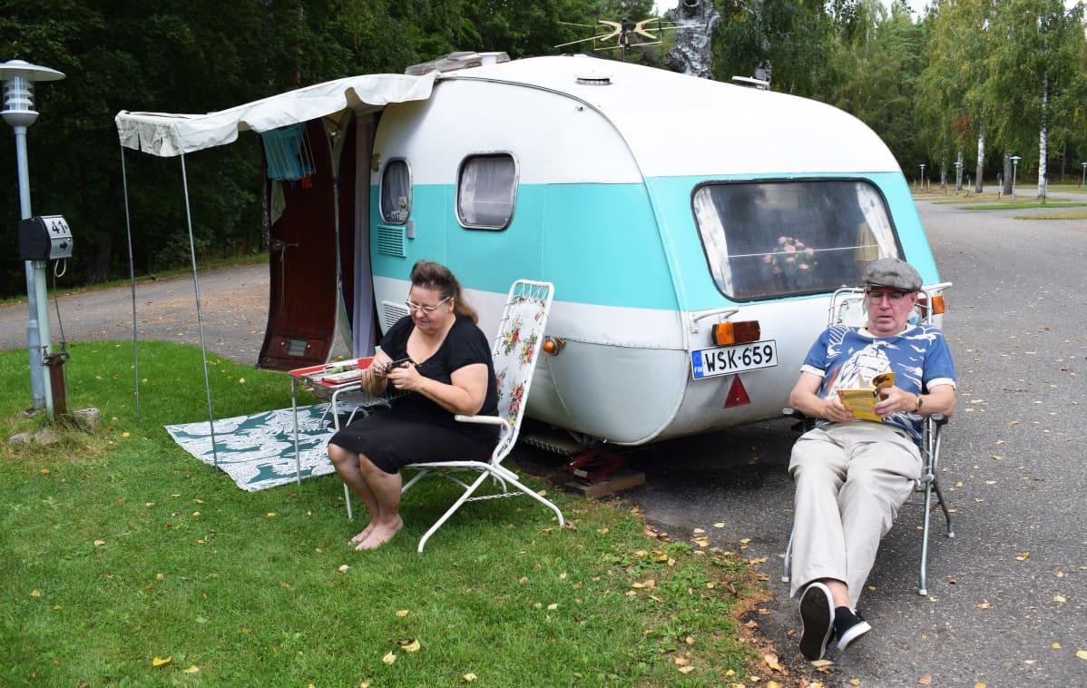 Tom Vuorinen ja Anne-Marjatta Laakso-Vuorinen, Turun Ruissalo Camping.