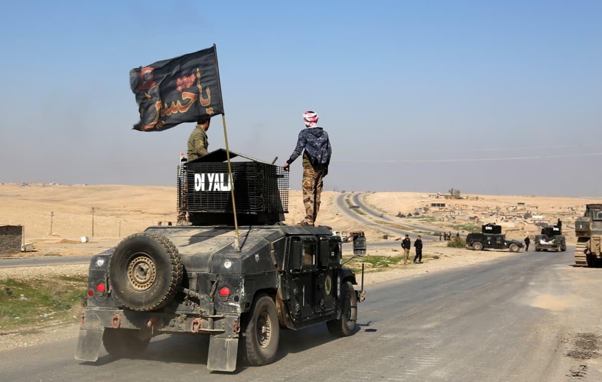 Irakin armeijan alla taistelevat joukot liikkuivat kohti Mosulin lentokenttää.