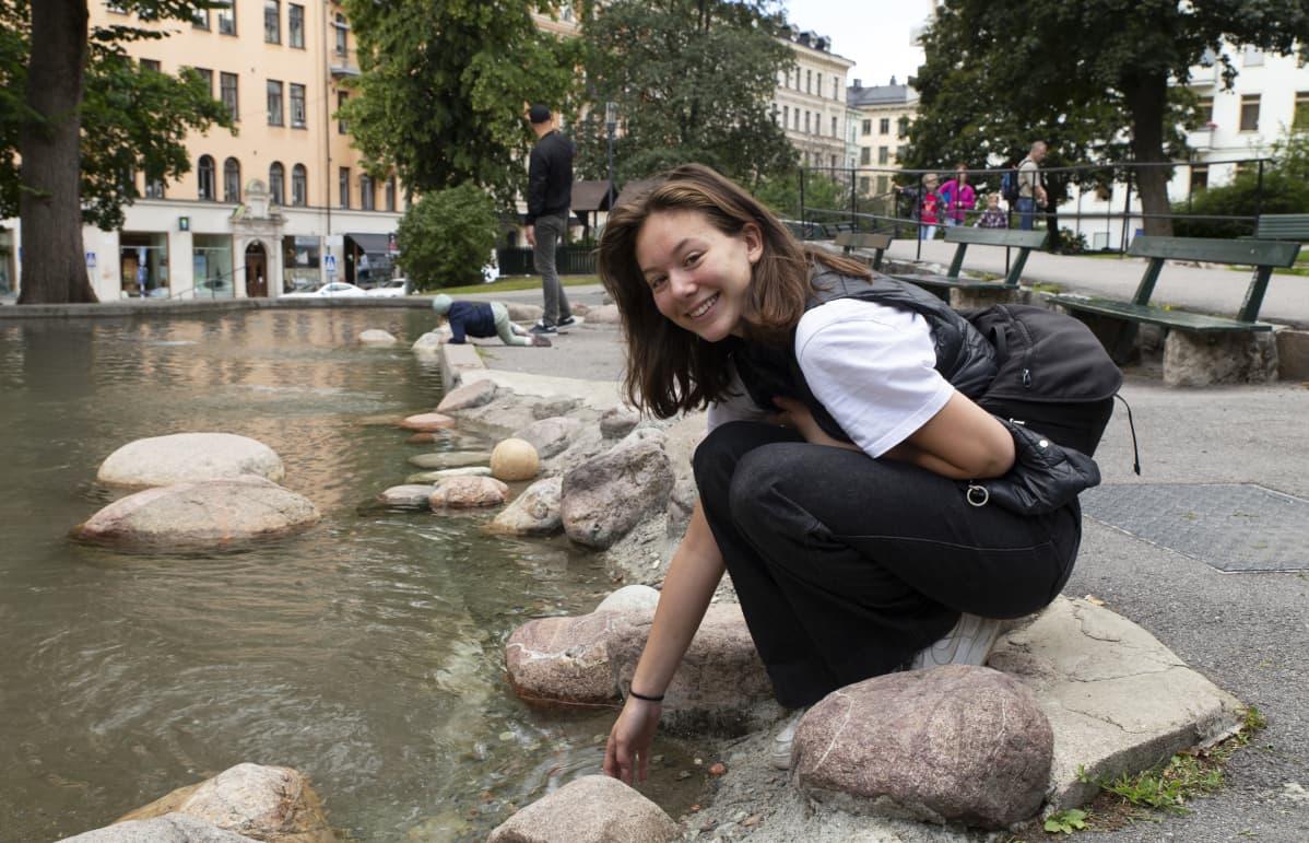 Tukholma, naisten Ruotsi-Hollanti jalkapallo-ottelu, Ally Bixo