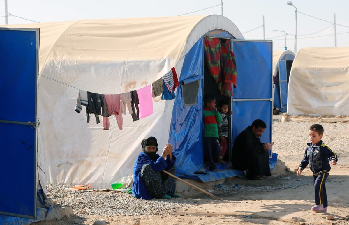 Irakilaisia Jadaan pakolaisleirillä Mosulin lähellä Irakissa 17. marraskuuta.