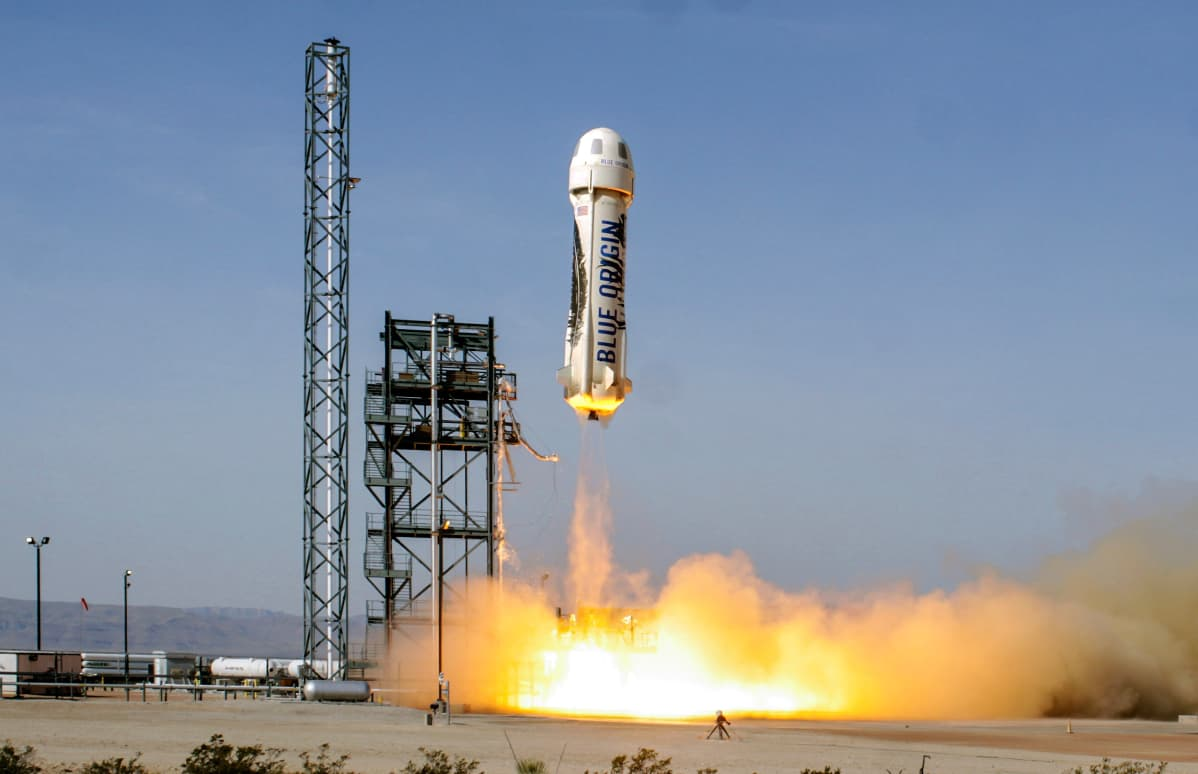 The fourth launch of the same New Shepard vehicle begins with an ascent to an apogee of 331,504 feet (101.0 km) before a successful descent and landing on June 19, 2016.