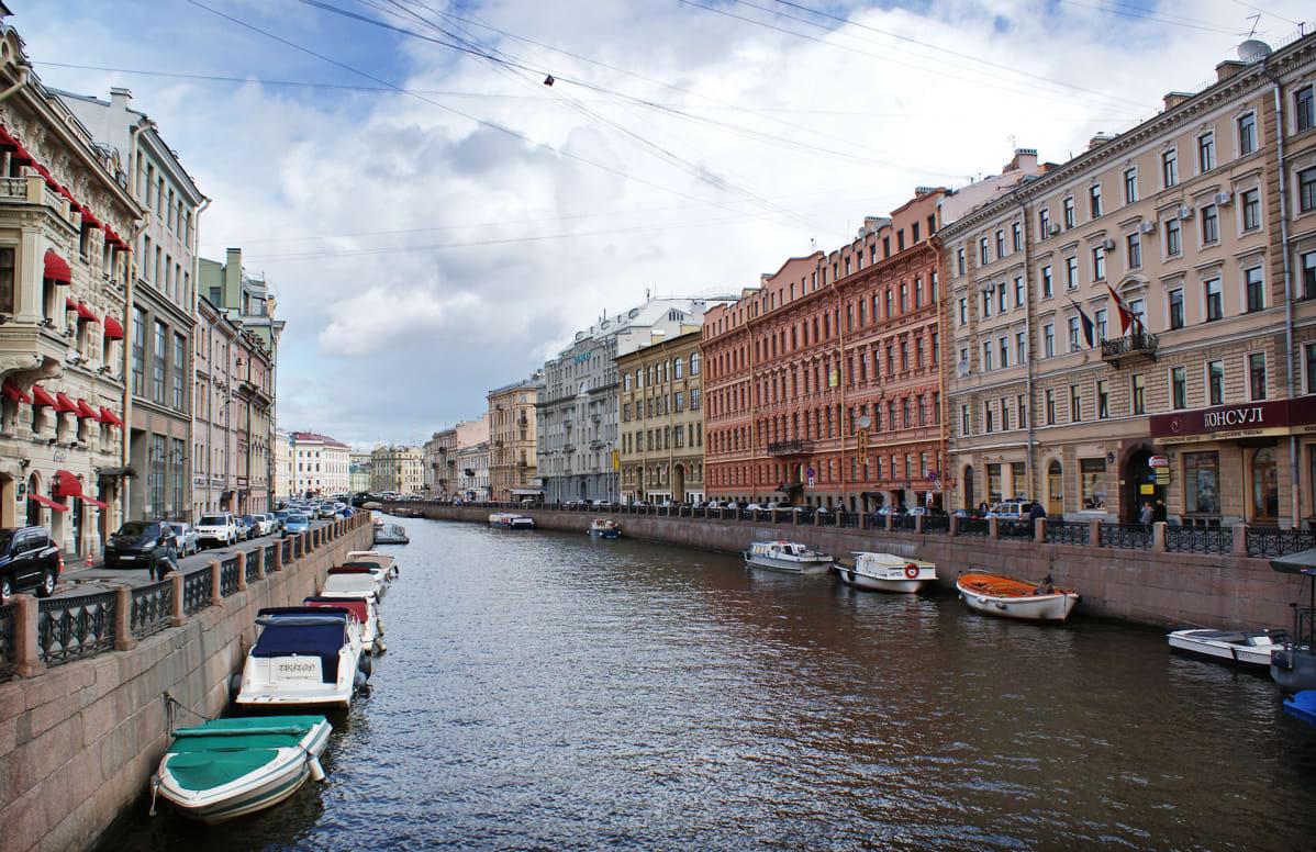 Kaupunkinäkymä Pietarista.