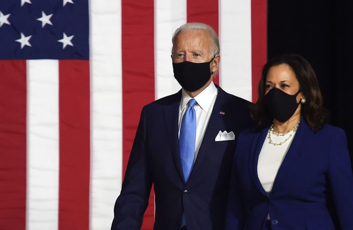 Joe Biden ja Kamala Harris yhteisessä lehdistötilaisuudessa 12. elokuuta Wilmingtonissa.