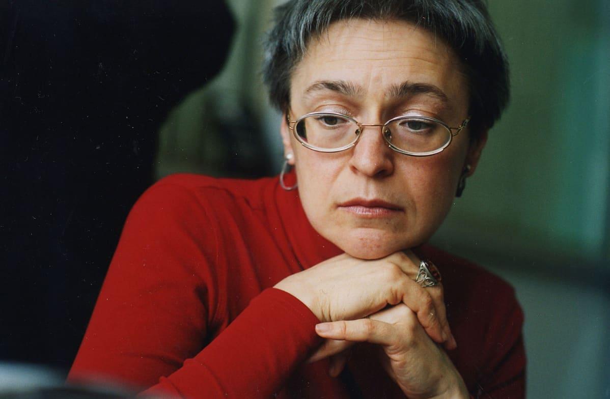 Kuvassa venäläinen toimittaja Anna Politkovskaya.