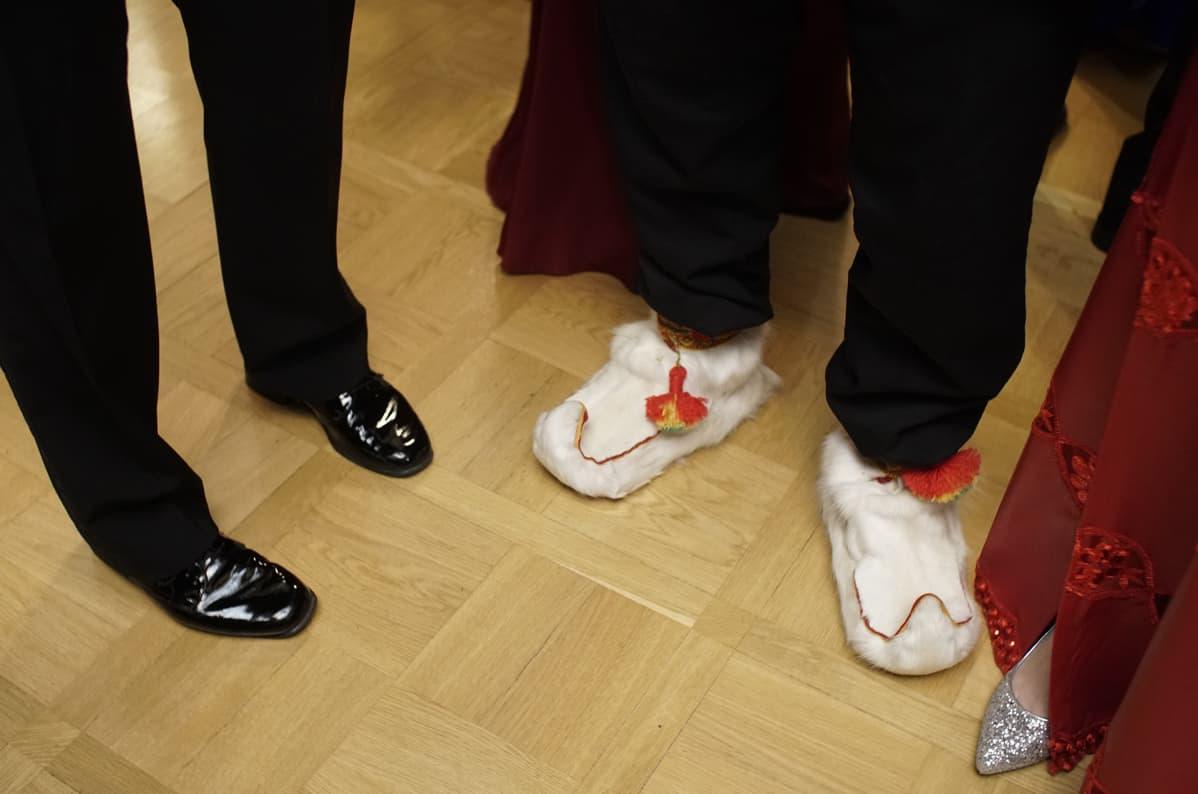 juhlijoitten kenkiä