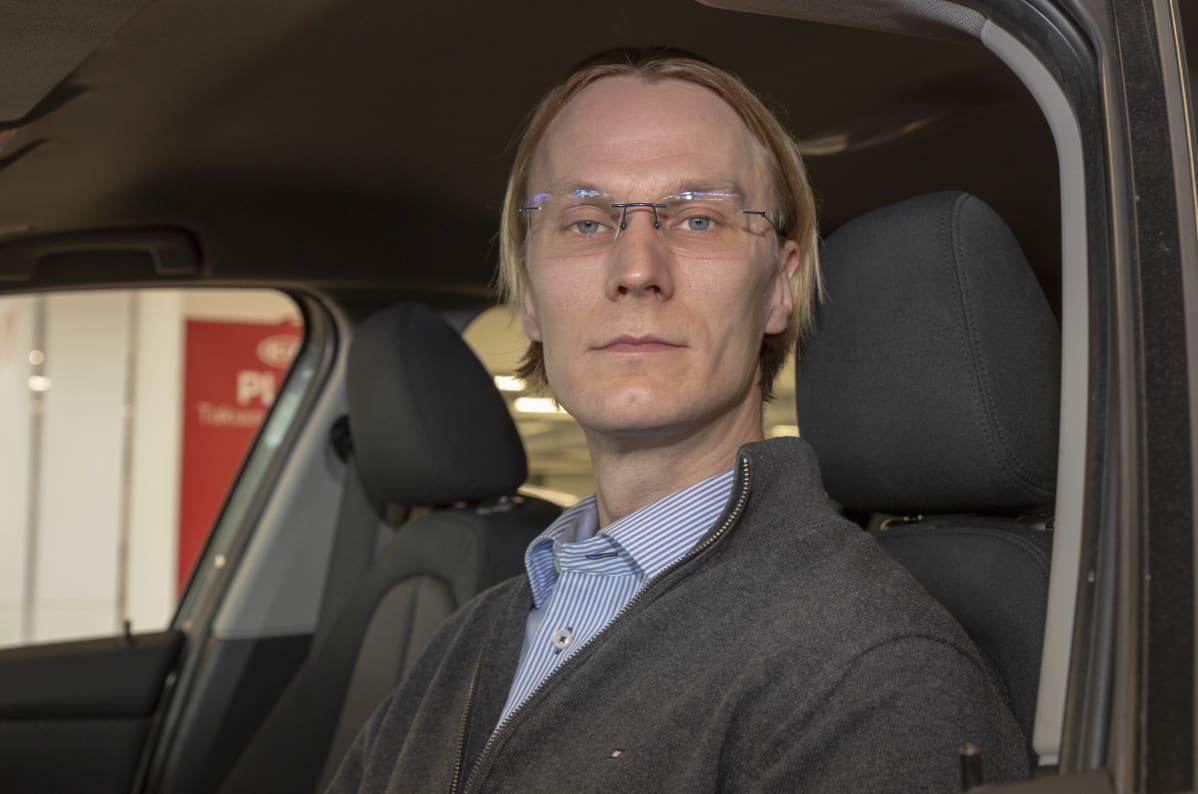 Jussi Koivusalo / automyyjä / Rintajouppi / Tikkurila 14.10.2020