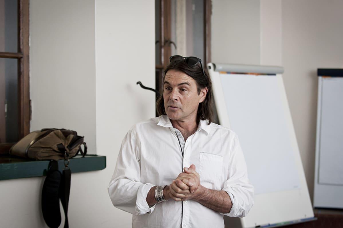 Eteläafrikkalainen toimittaja Ian Michler.