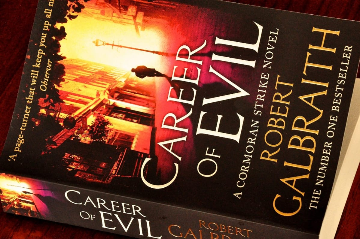 Career of Evil -kirjan kansi