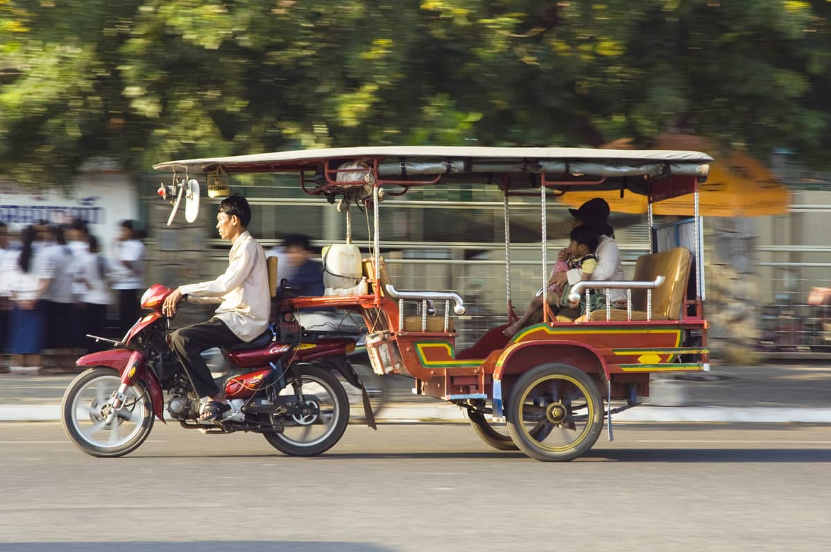 Tuk-tuk-taksi Kambodžassa.