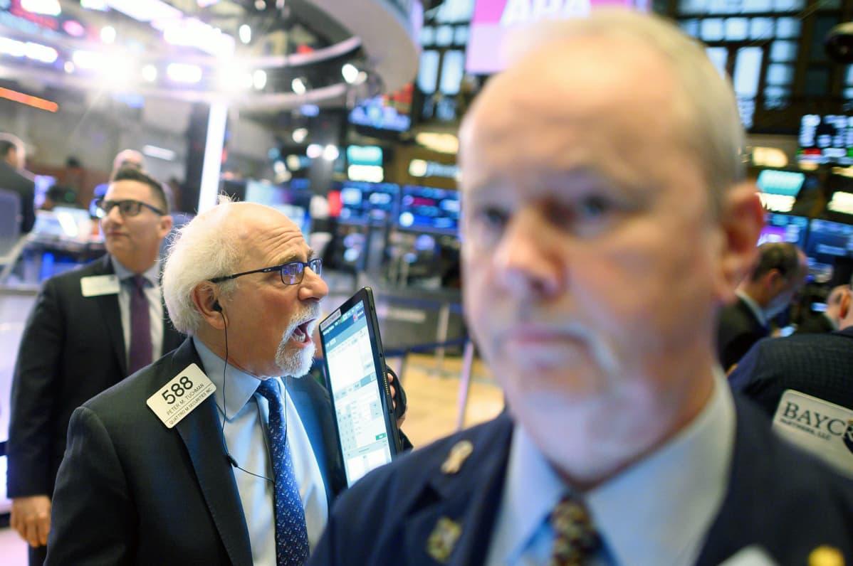 Pörssimeklareita New Yorkin pörssissä.