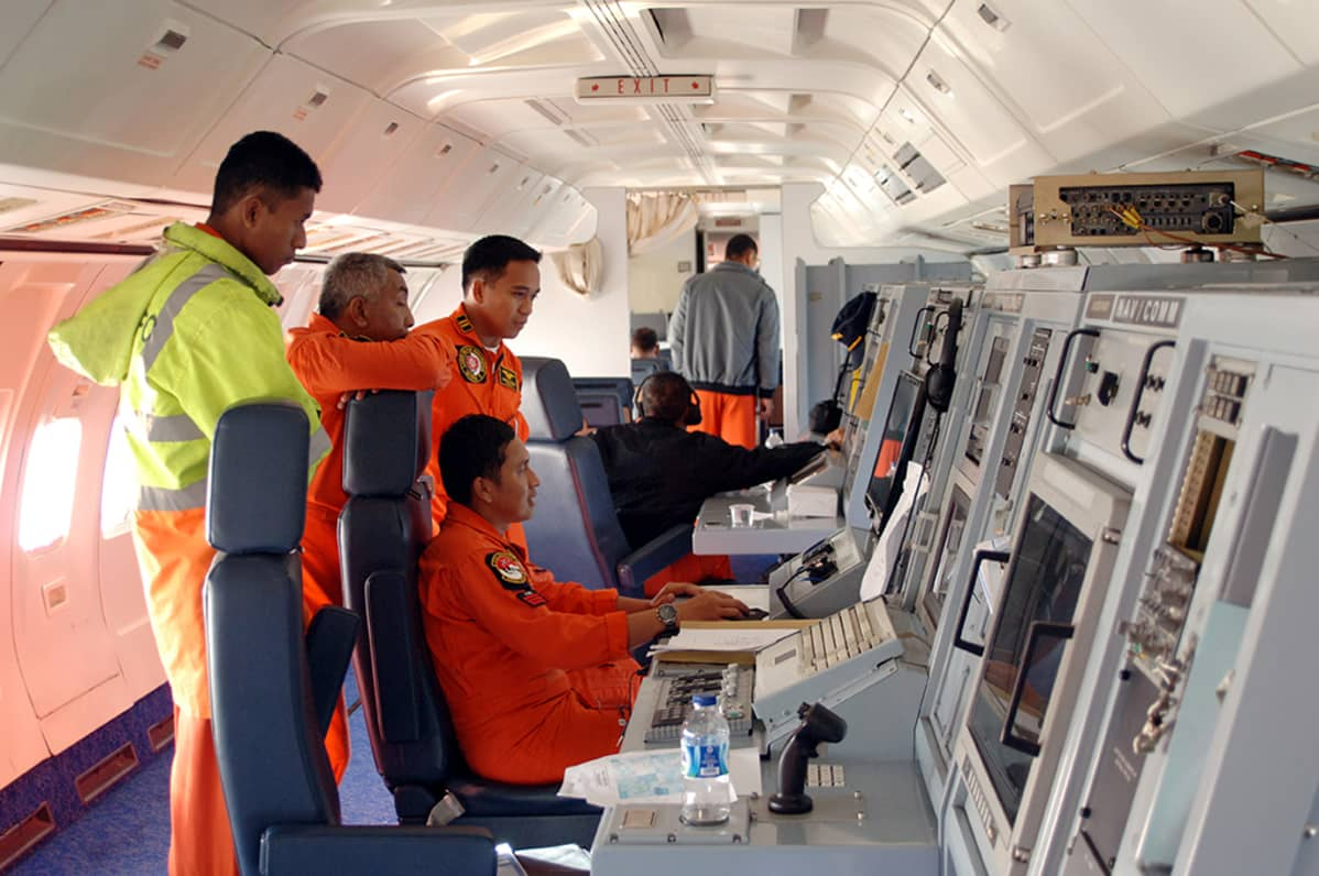 Indonesian ilmavoimat osallistuivat turmakoneen etsintöihin 11. maaliskuuta 2014.