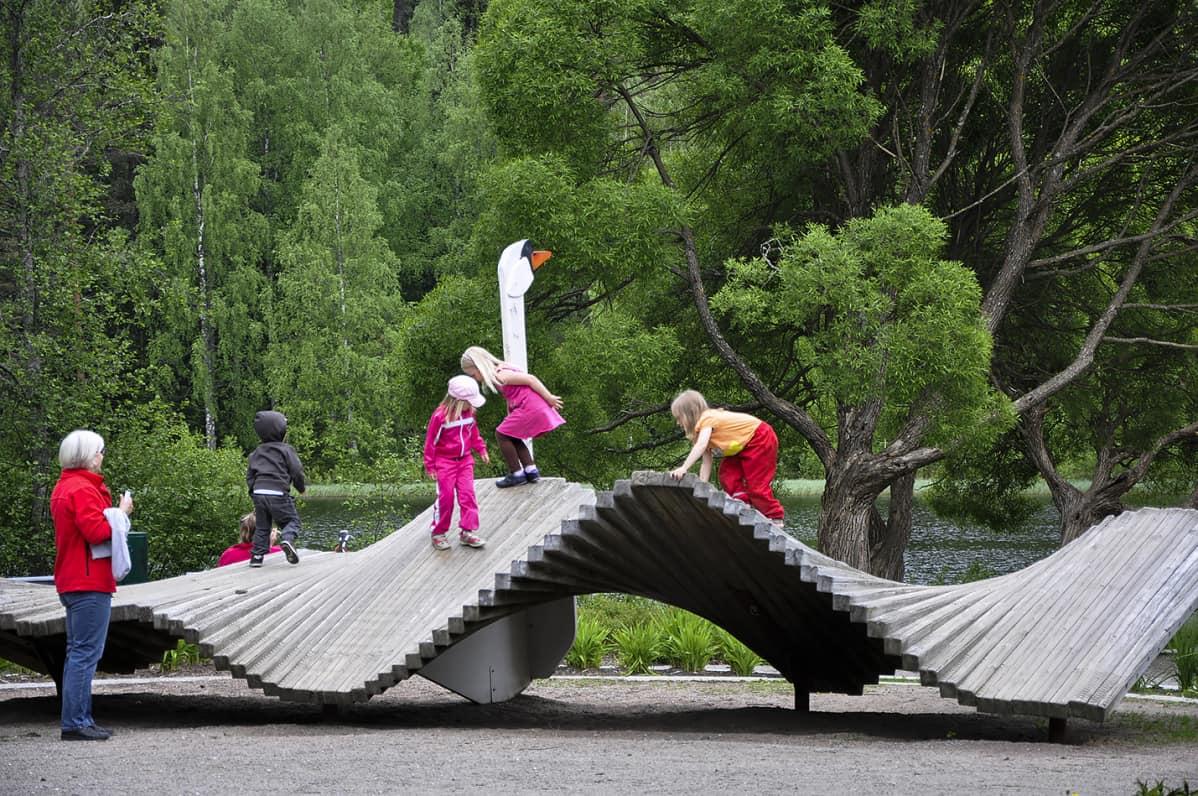 Jyväskylän Huhtasuon lähiliikuntapuisto.