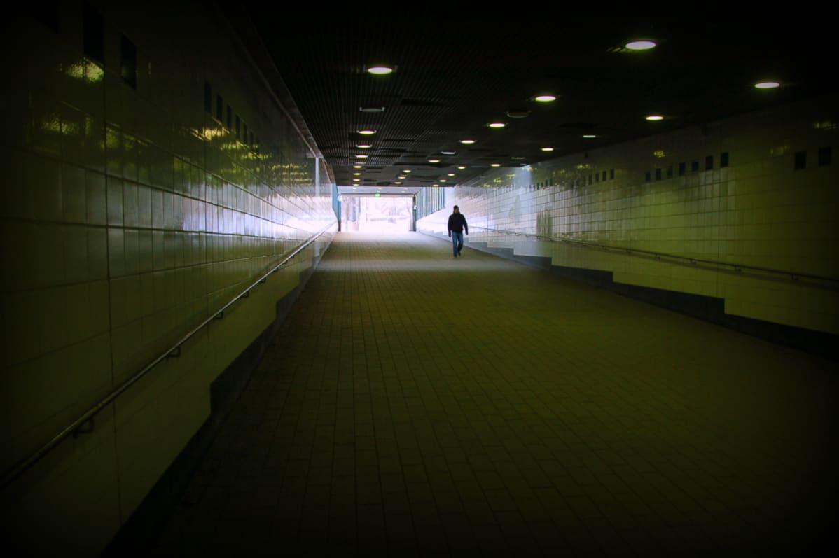 Junanradat alittava pyöräily- ja jalankulkutunneli yhdistyisi nykyiseen kävelytunneliin Kaisaniemen päässä.