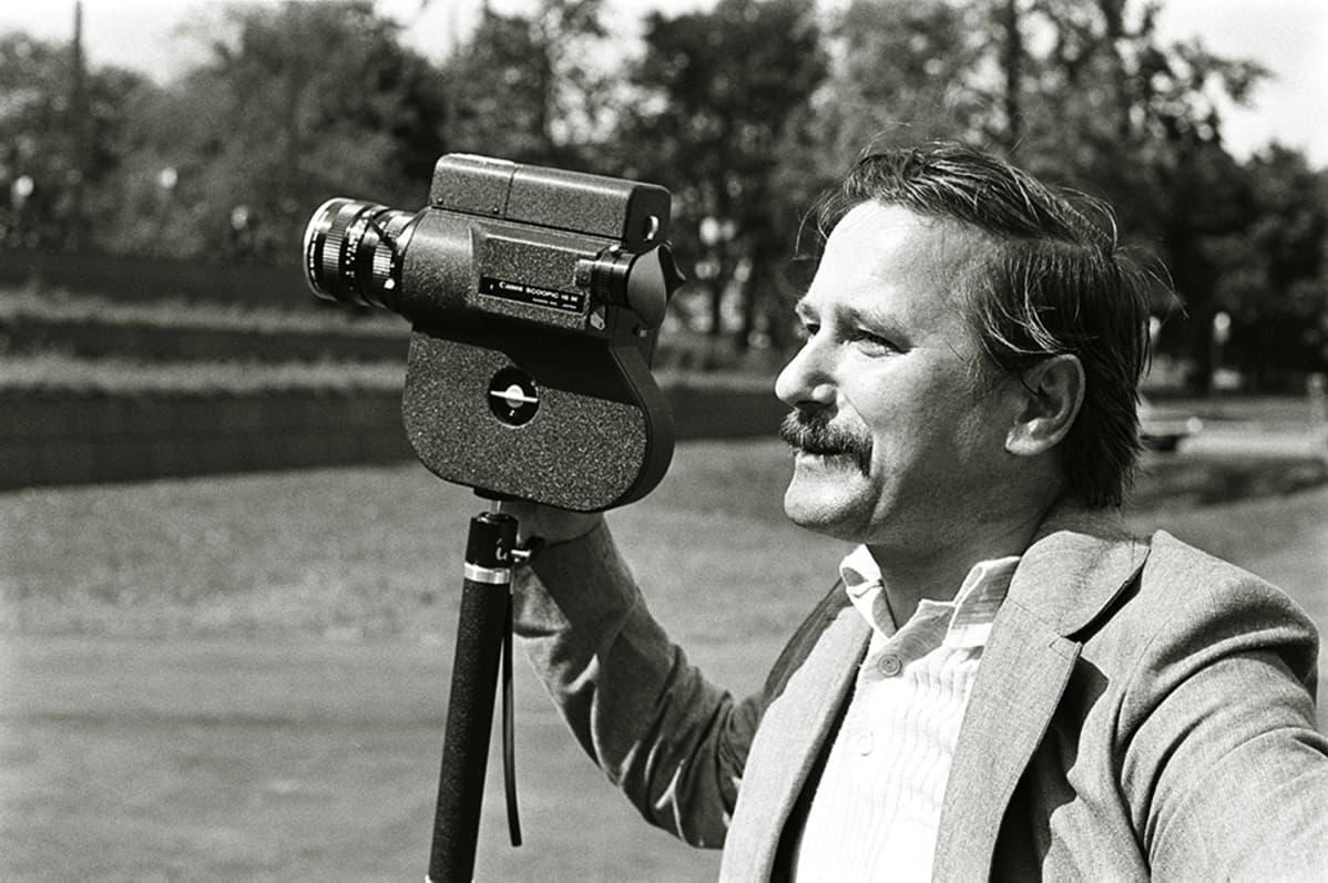 Ohjaaja Mikko Niskanen vuonna 1975.