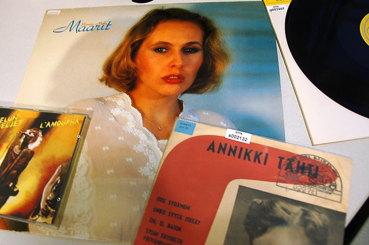 Maaritin LP-levy Elämän maku oli ensimmäinen Kansalliskirjaston levykokoelmaan toimitettu vapaakappale.