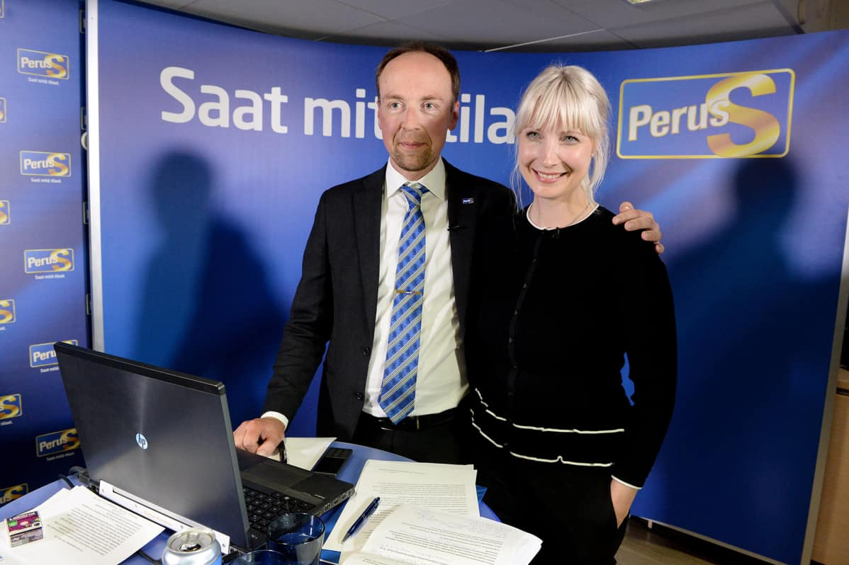 Laura Huhtasaari ja Jussi Halla-aho.