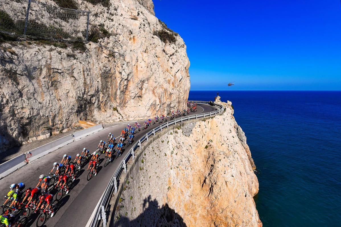 110:s Milano–San Remo -pyöräilykilpailu käynnissä Italiassa.