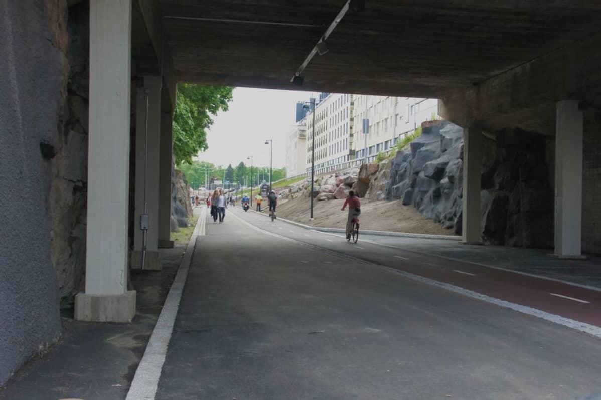 Baana-pyörätie Helsingissä.