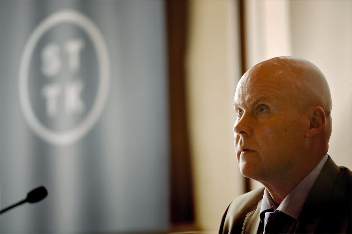 Puheenjohtaja Antti Palola STTK:n hallituksen kokouksessa Helsingissä 10. kesäkuuta 2015.