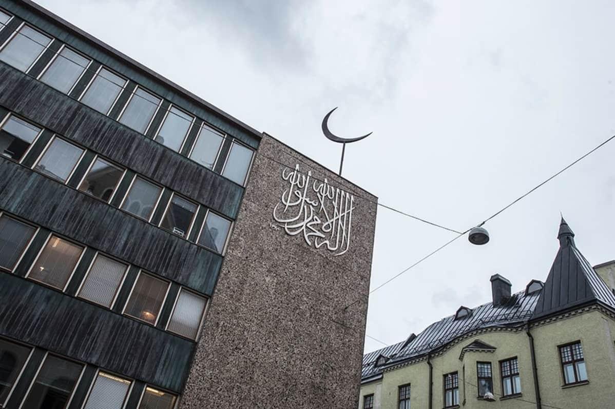 Helsingin ydinkeskustassa Fredrikinkadulla sijaitseva tataarimoskeija.