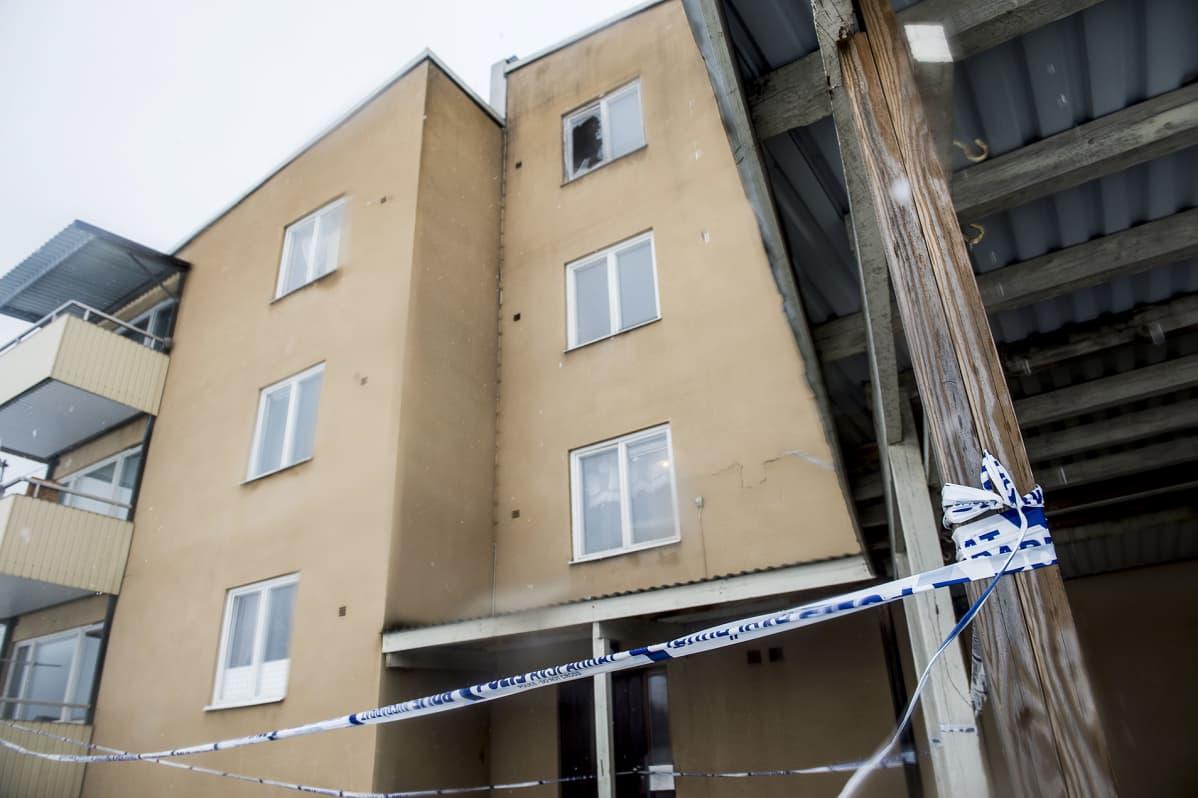 Poliisi sai hälytyksen Lindesbergin vastaanottokeskukseen varhain aamulla 4. maaliskuuta.