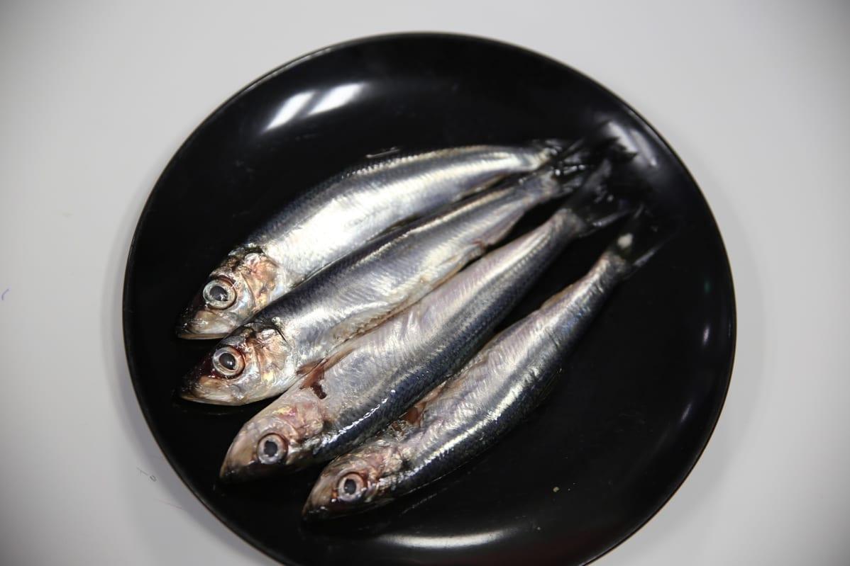 silakat lautasella