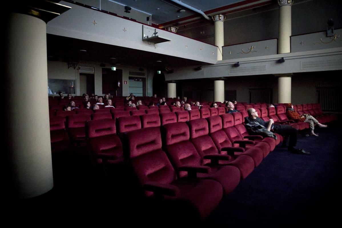 Elokuvateatteri Orionin sali.