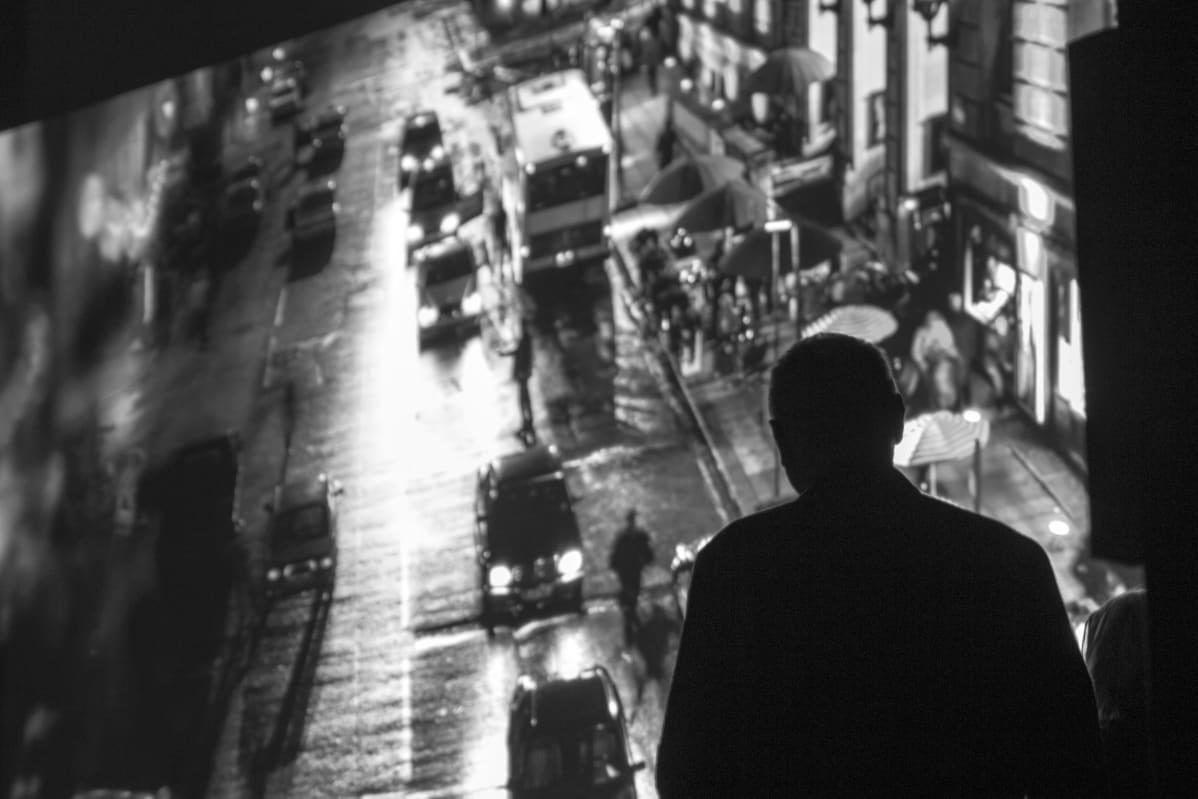 Tony Grisoni katsoo elokuvan traileria