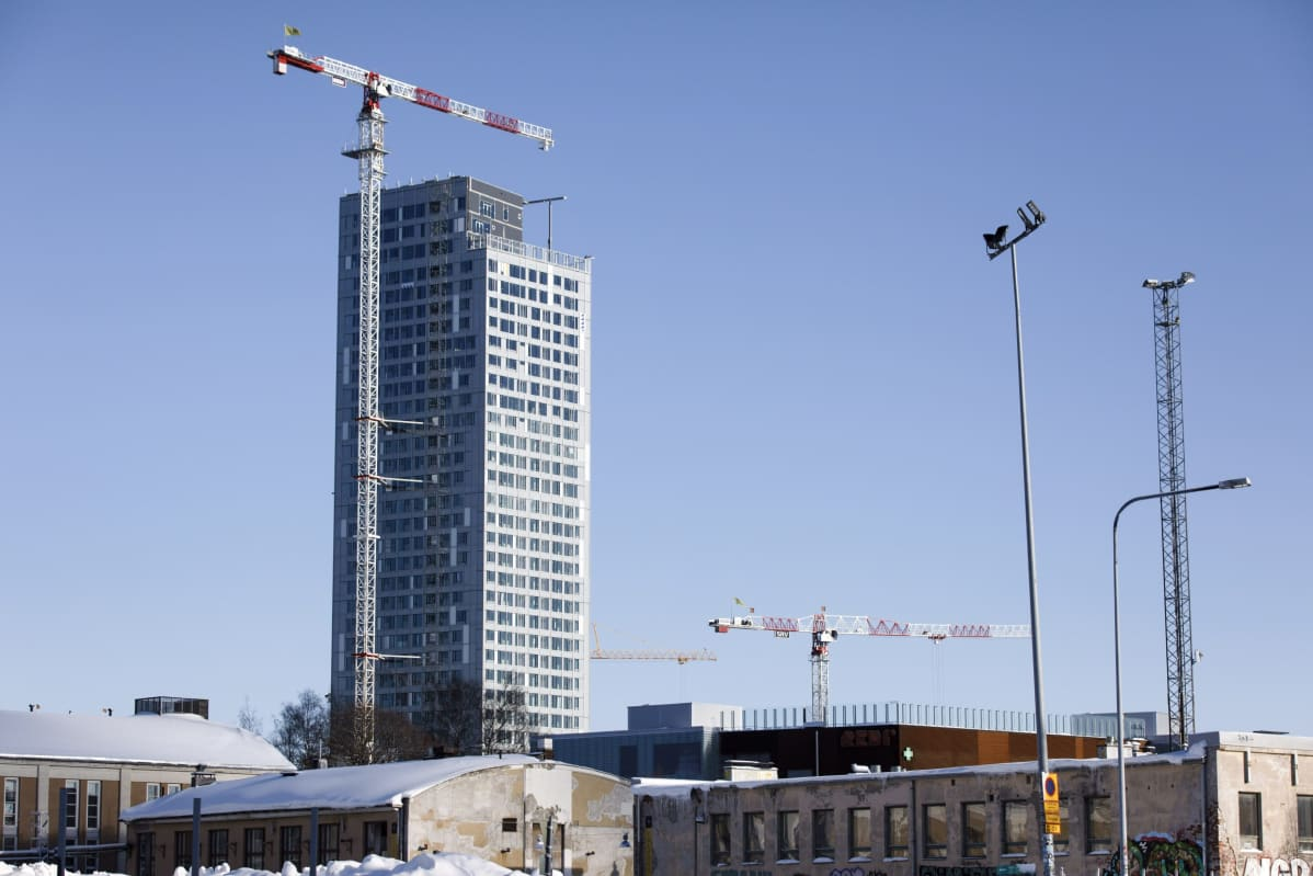 Rakenteilla oleva pilvenpiirtäjä, Majakka, Helsingin Kalasatamassa 6. helmikuuta 2019. Rakennus on yksi kahdeksasta Redi-kokonaisuuden tornitalosta.