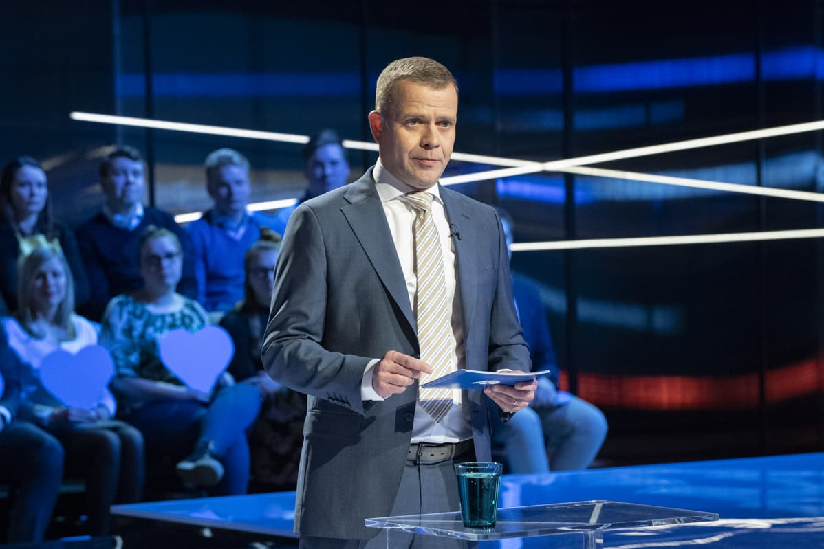 Petteri Orpo pitämässä puhettaan Ylen Vaalitentissä 26. maaliskuuta 2019.
