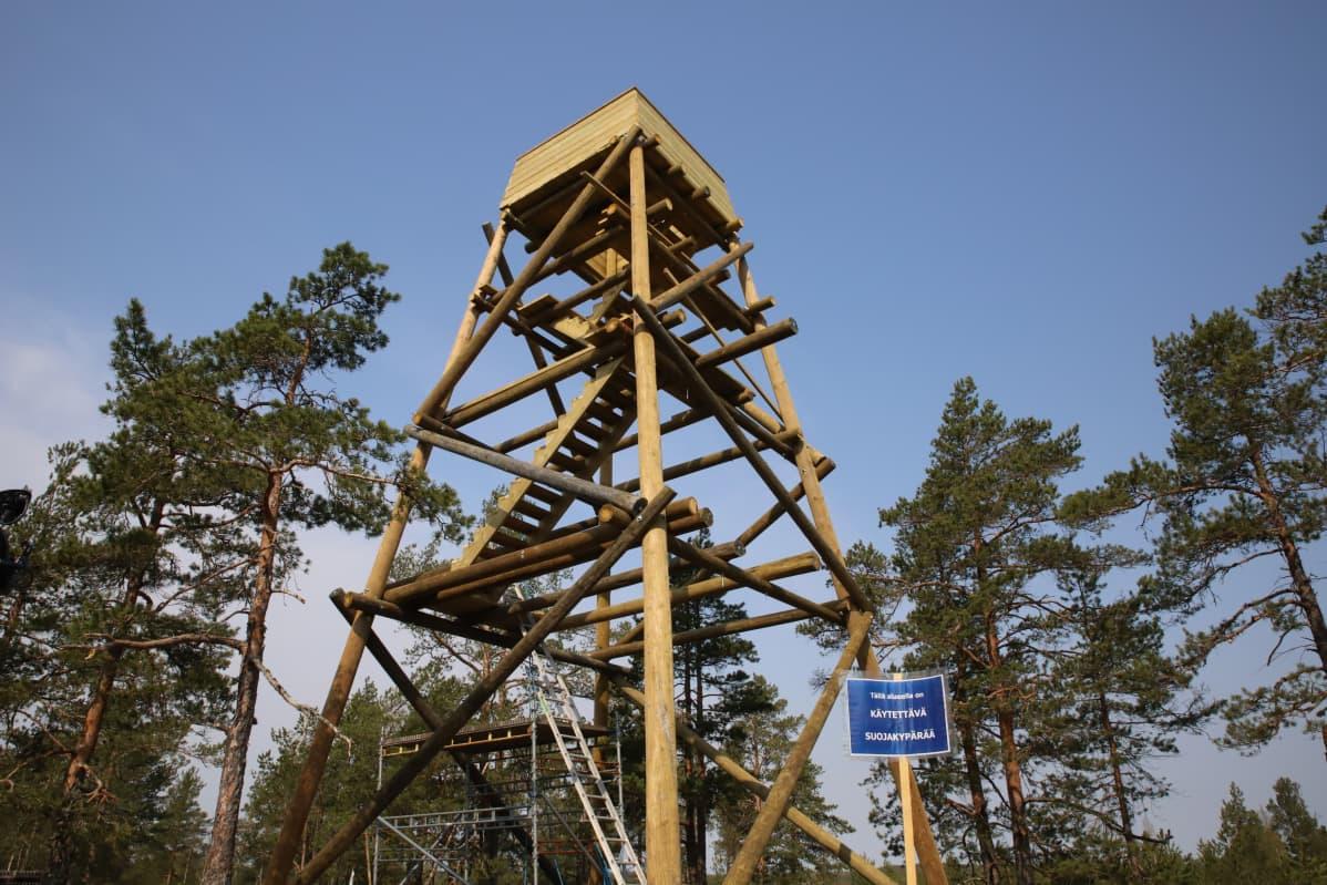 Virolahdella ksällä avattava ilmavalvontatornin kopio