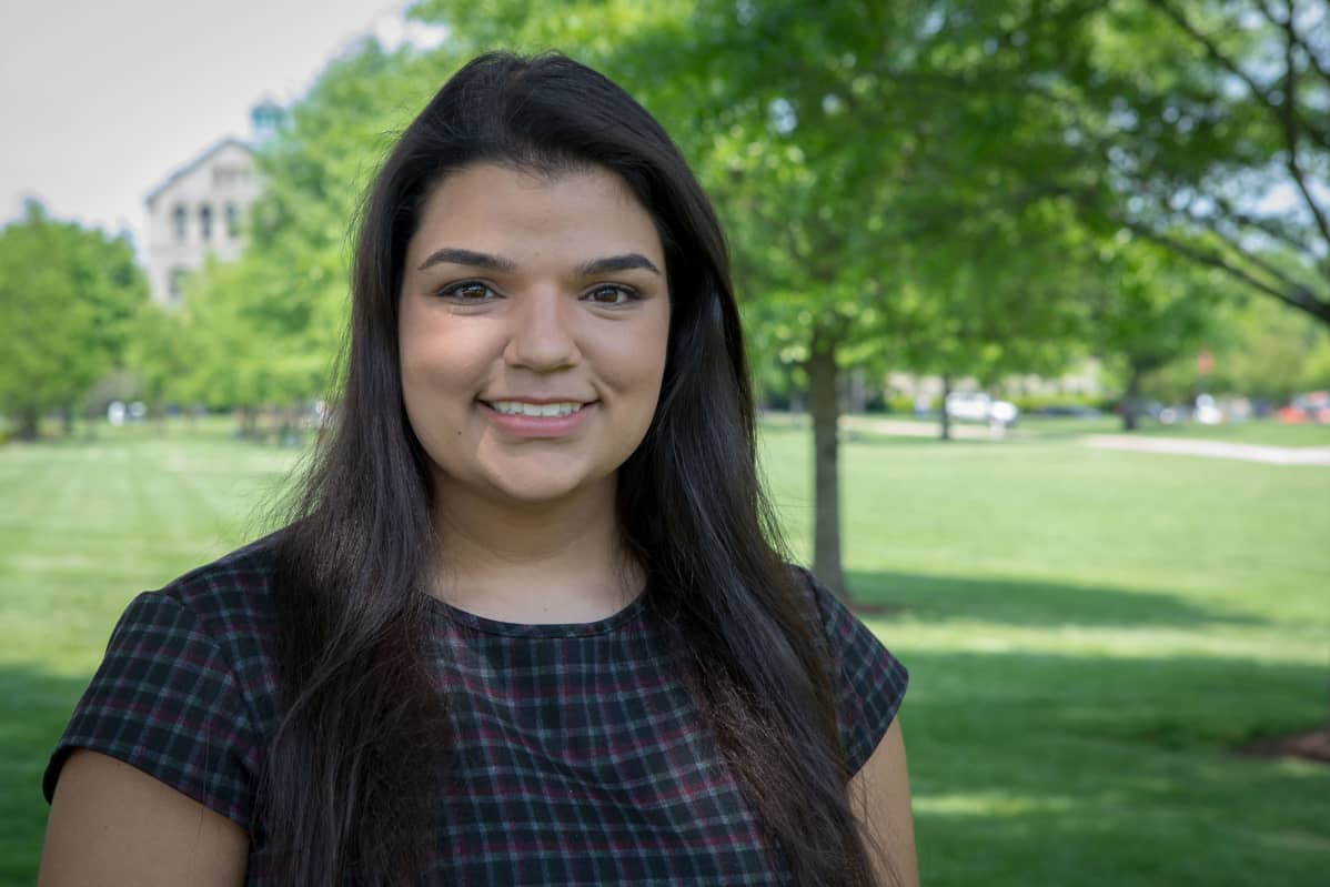 Taloudesta kiinnostunut Nanci Fernandez haaveilee työpaikasta Yhdysvaltain kongressissa.
