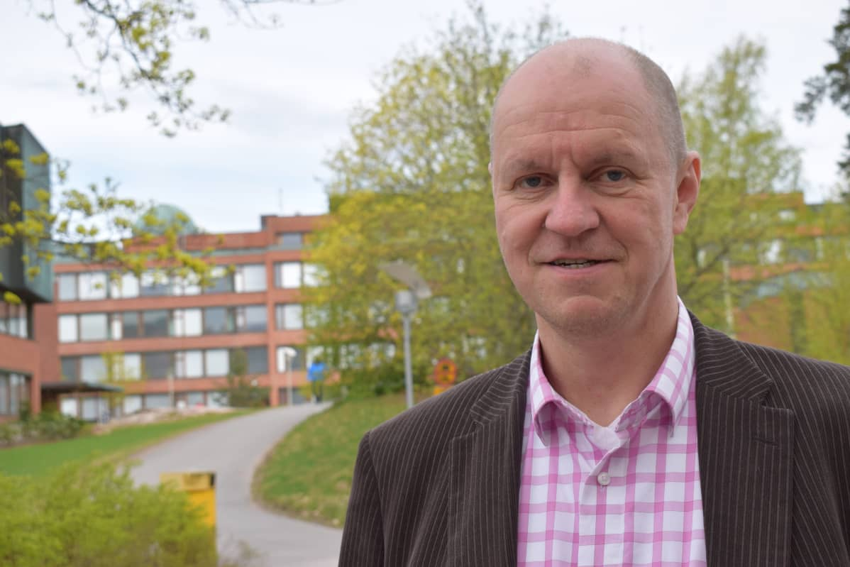 Professori Jussi Leveinen työskentelee Aalto-yliopistossa Espoossa.