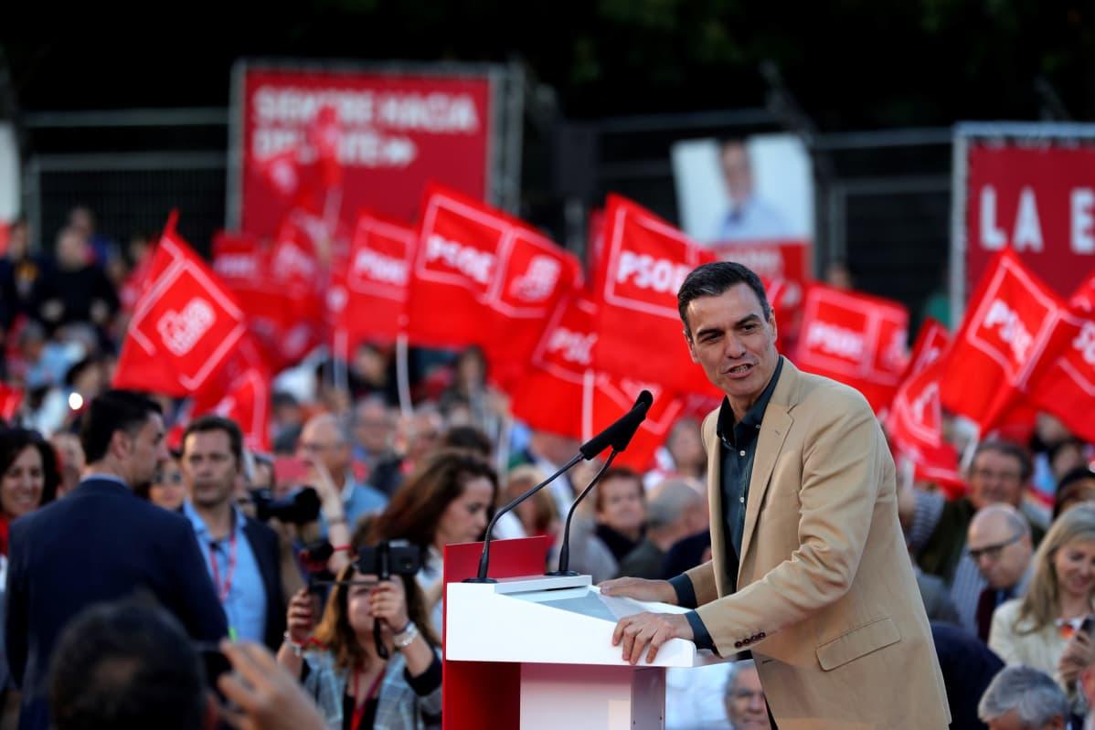 Pääministeri Pedro Sanchezin johtamat sosialistidemokraatit nousivat myös eurovaaleissa Espanjan suurimmaksi puolueeksi.