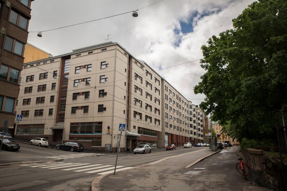 Kaarlenkadun asuntola, Kaarlenkatu 7.