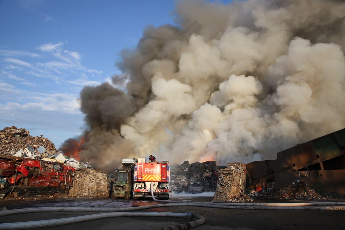 Autoromuttamon palo Heinolassa 8. kesäkuuta 2019