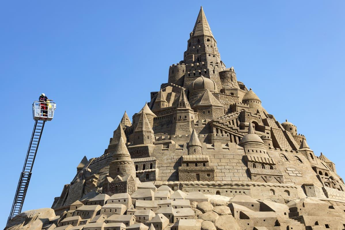 Rügenin saarelle rakennettu hiekkalinna on Guinnesin mukaan maailman suurin vuonna 2019.